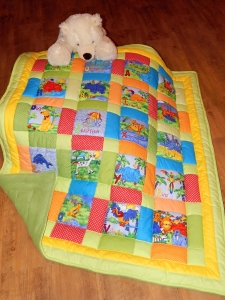 Dětská deka plná zvířátek