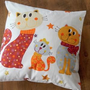 Dětský polštář s kočkami