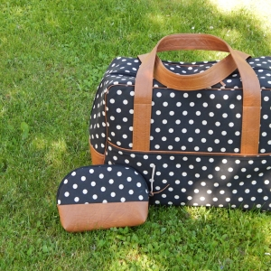 Cestovní taška s kosmetickou taštičkou