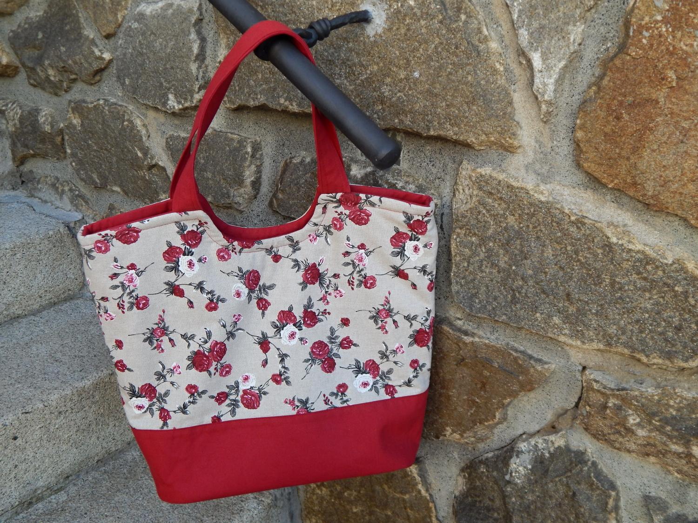 Menší růžičková taška