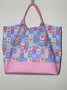 Opravdu velká taška na miminkovské potřeby